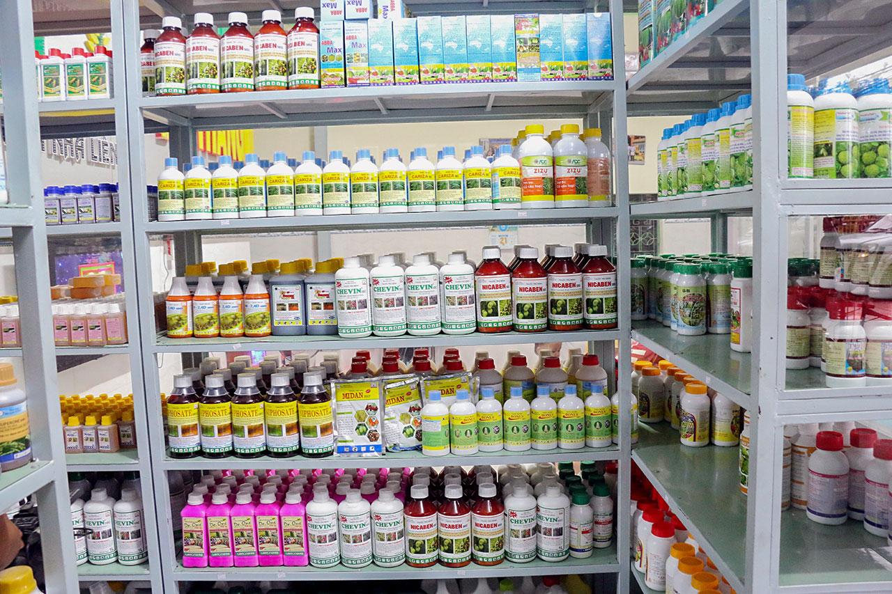 Thuốc bảo vệ thực vật được sử dụng để bảo vệ cây trồng khỏi sâu bệnh, cỏ dại hoặc bệnh tật do côn trùng gây ra